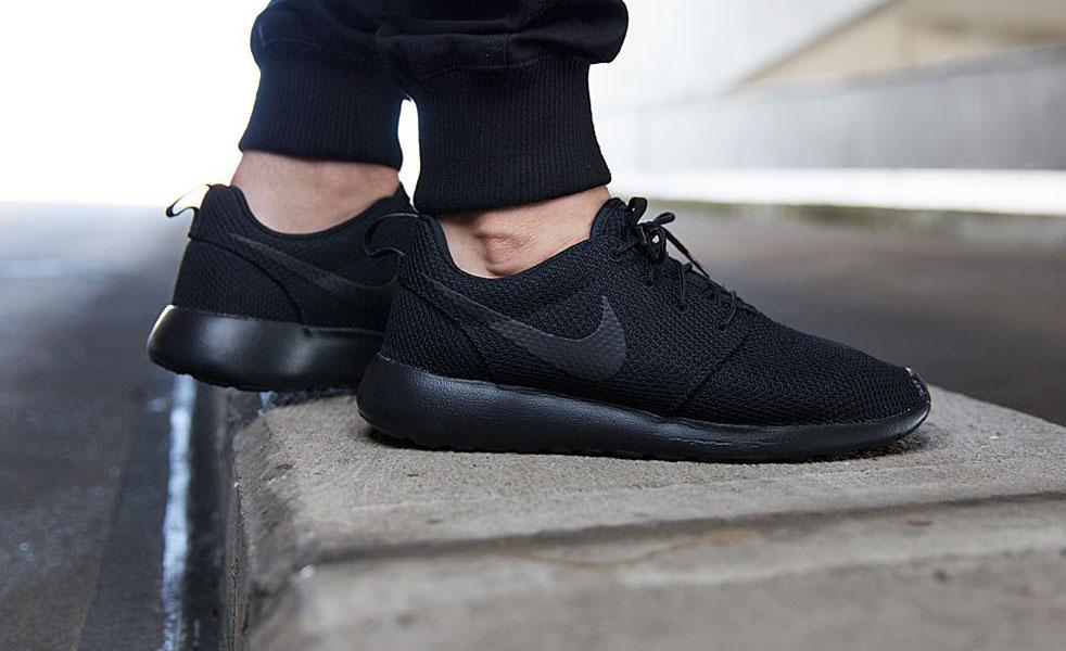99c89ebd82976 Nike Roshe One Triple Black - Bons Rapazes