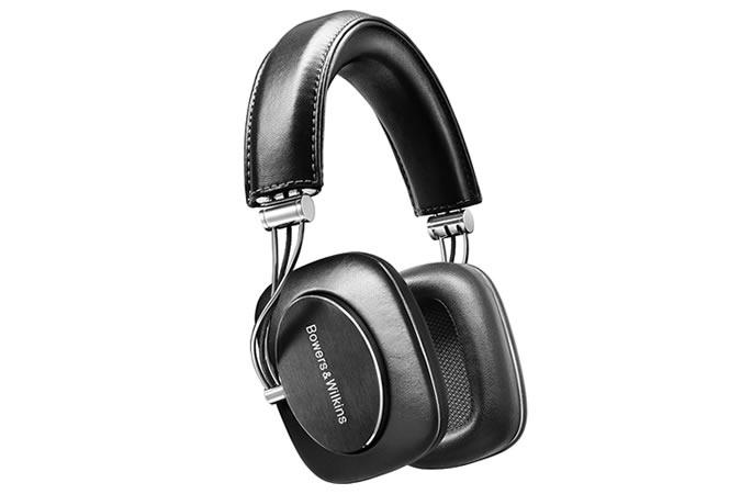 handluggage-headphones-bowers