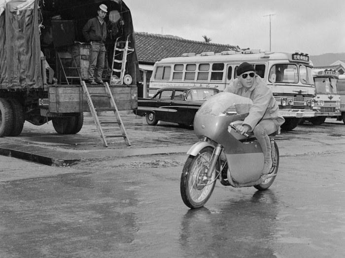 steve-mcqueen-motorcycle-sand-pebbles-1965