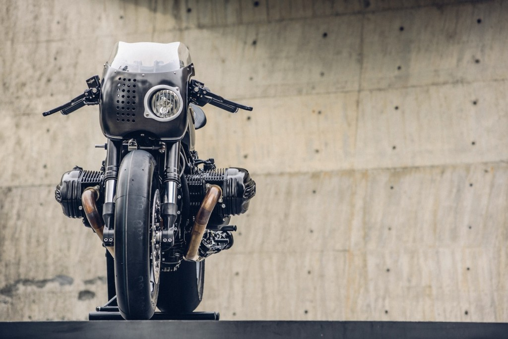 BMW-R-NineT-Bavarian-Fistfigher-by-Rough-Crafts-Customs-Front-1024x684