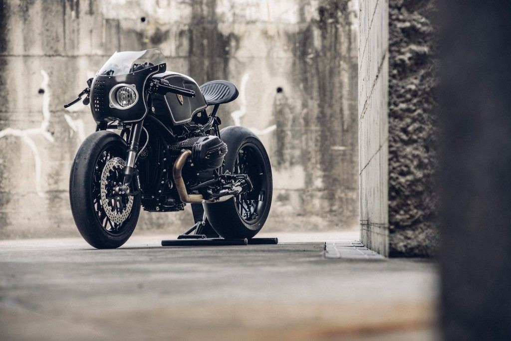 BMW-R-NineT-Bavarian-Fistfigher-by-Rough-Crafts-Customs-Front-Left-Three-Quarters-1024x684