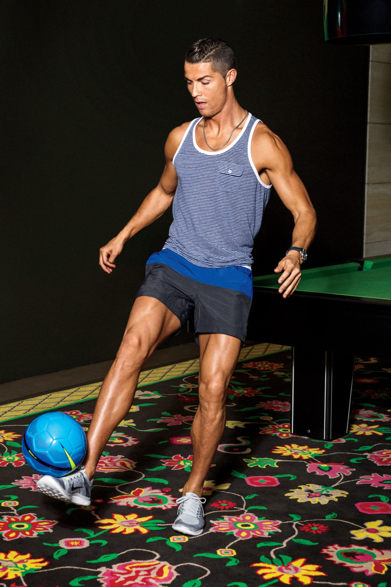 BR Cristiano-Ronaldo-2016-GQ 8