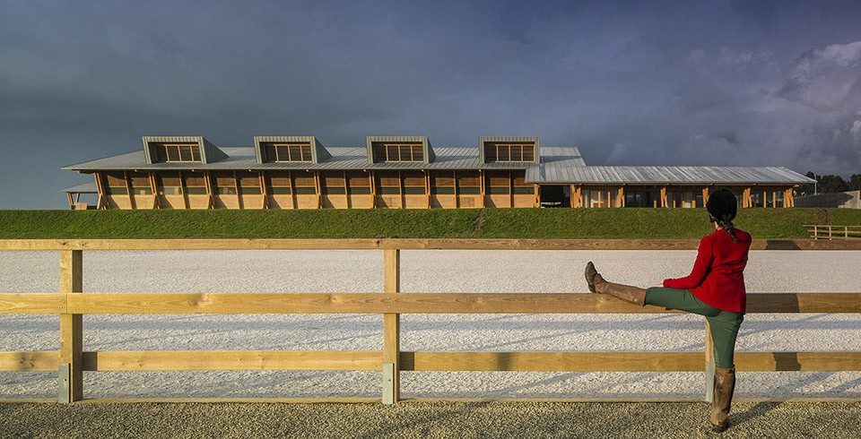 Equestrian-Centre-by-Carlos-Castanheira-and-Clara-Bastai-Photography-by-Fernando-Guerra-2-960x490