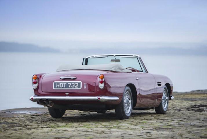 Bons Rapazes Aston Martin 1