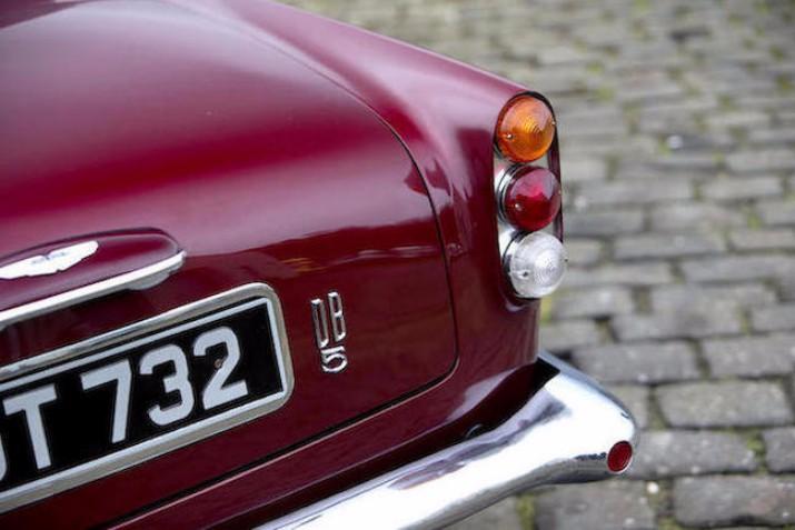 Bons Rapazes Aston Martin 7