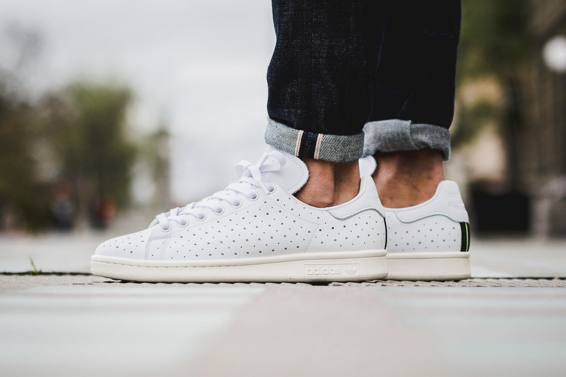 adidas-originals-perforated-stan-smith-2-1800x1200