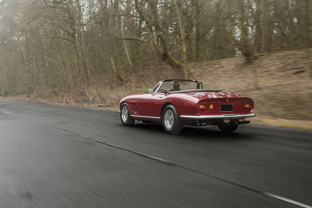 ferrari-275-gts-4-nart-spider-expected-to-fetch-27-million-usd-at-auction-10