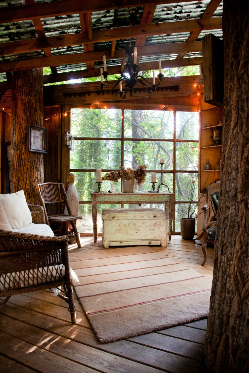 Secluded-Intown-Treehouse-05-850x1275