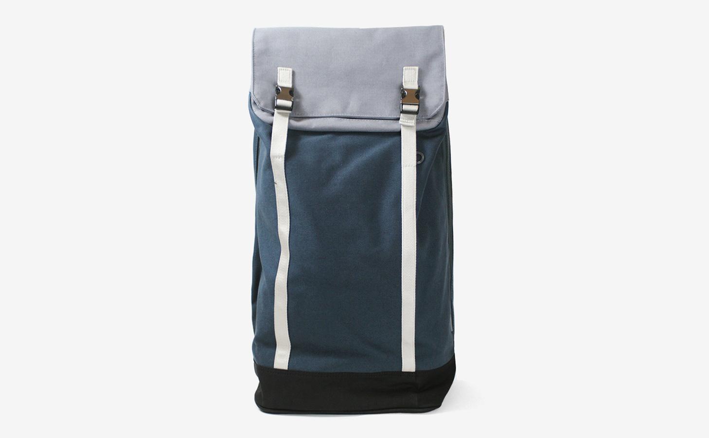 c6_slim_backpack_00