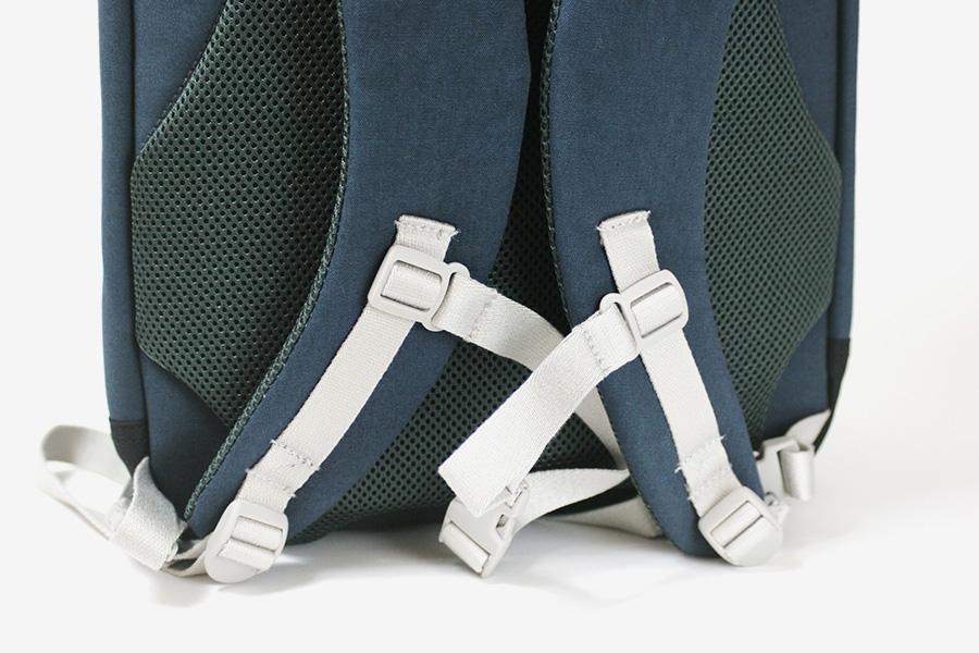 c6_slim_backpack_05