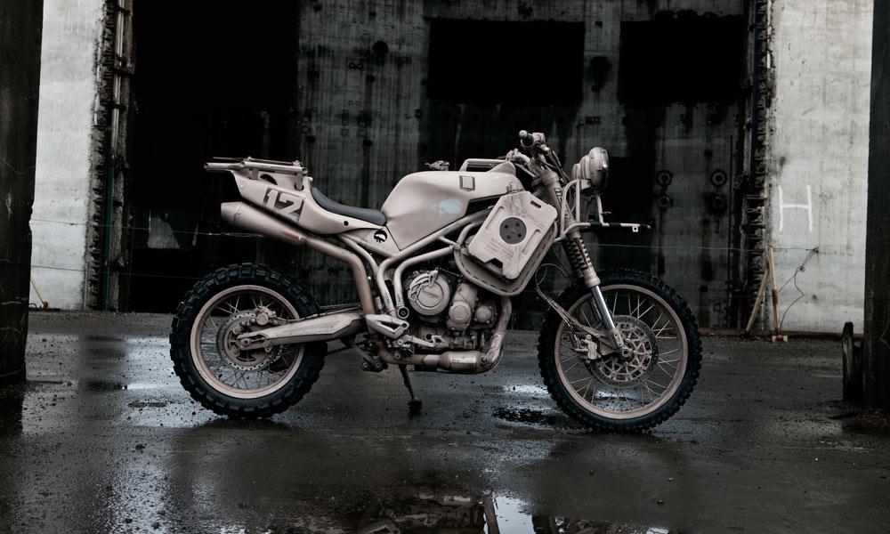 ICON-1000s-Triumph-Dromedarii