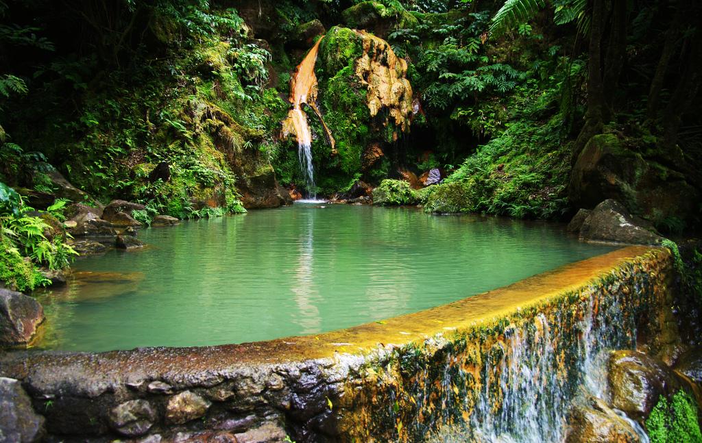 piscinas naturais mais incríveis do mundo - Caldeira Velha