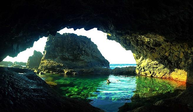 piscinas naturais mais incríveis do mundo - El Charco Azul