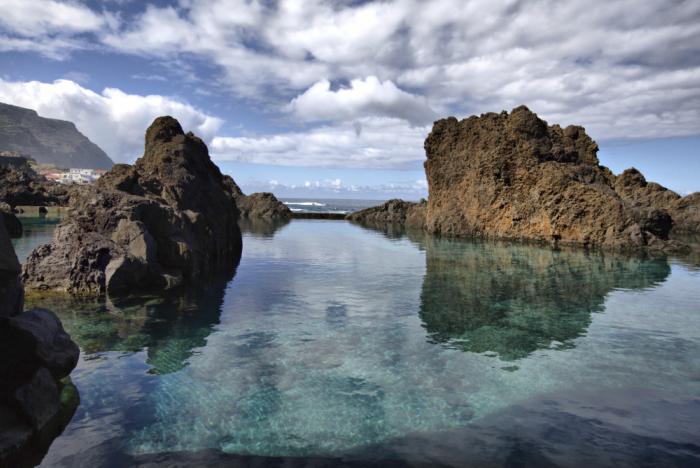 piscinas naturais mais incríveis do mundo - Porto Moniz