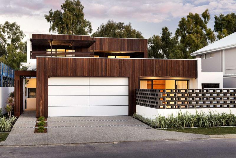 garage door 11