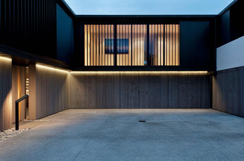 garage door 18