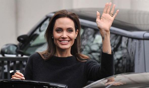 angelina-jolie-paris-540429
