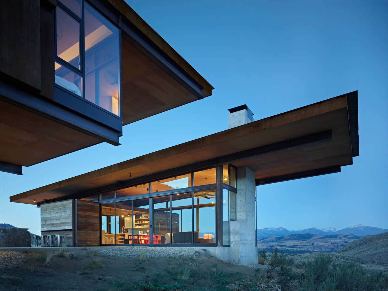 Studhorse Outlook. Methow Valley, Winthrop, Washington. Client: Olson Kundig Architects. © Copyright 2012 Benjamin Benschneider All Rights Reserved. Usage may be arranged by contacting Benjamin Benschneider Photography. Email: bbenschneider@comcast.net or phone: 206-789-5973.