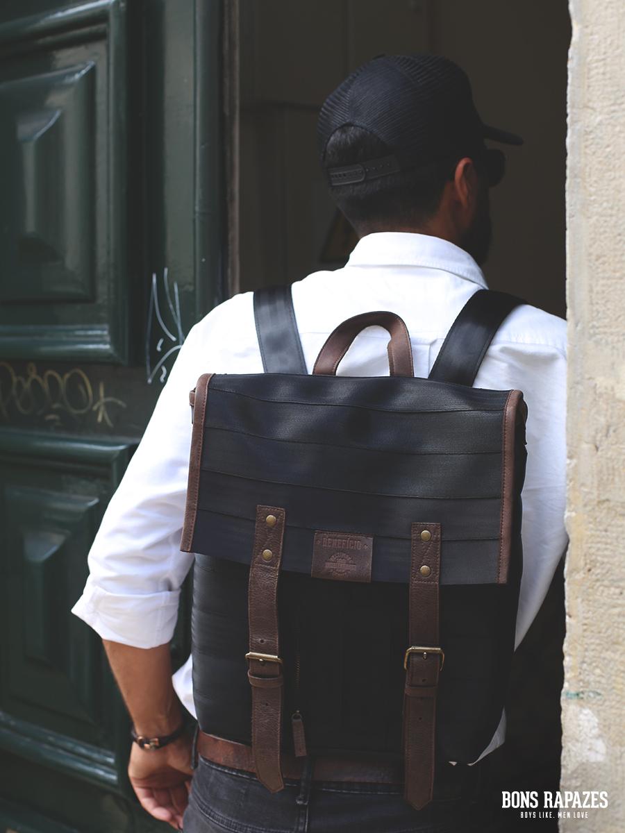 Esta mochila é feita com cintos de segurança