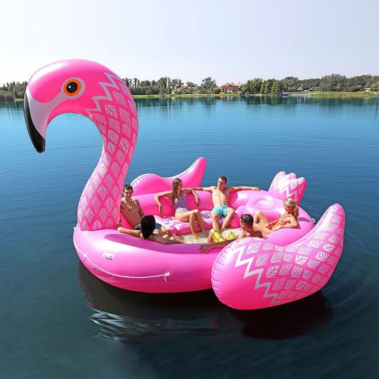 bóias de flamingos e unicórnios