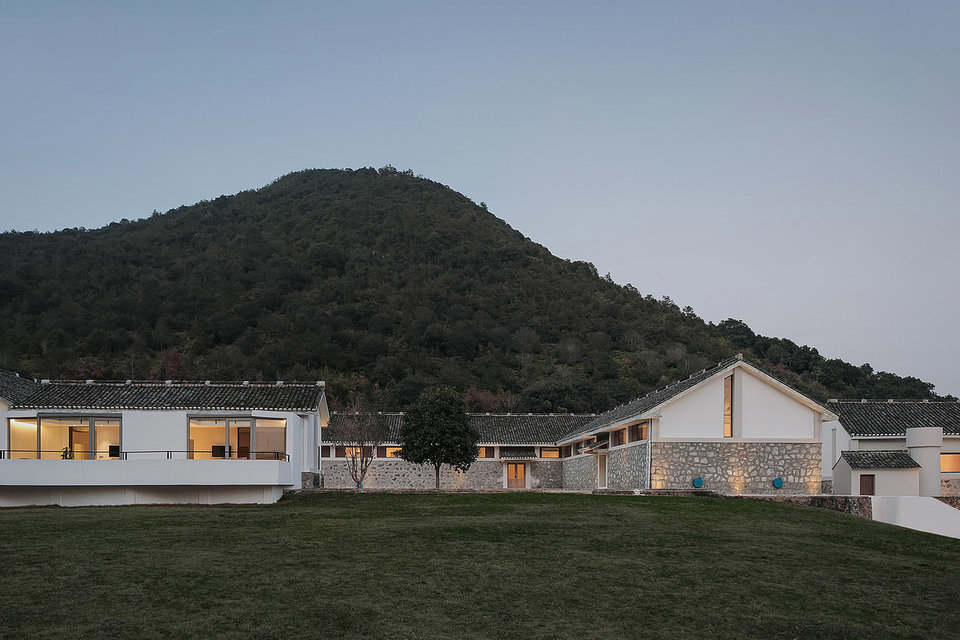 Miya LostVilla Huchen Barn Resort