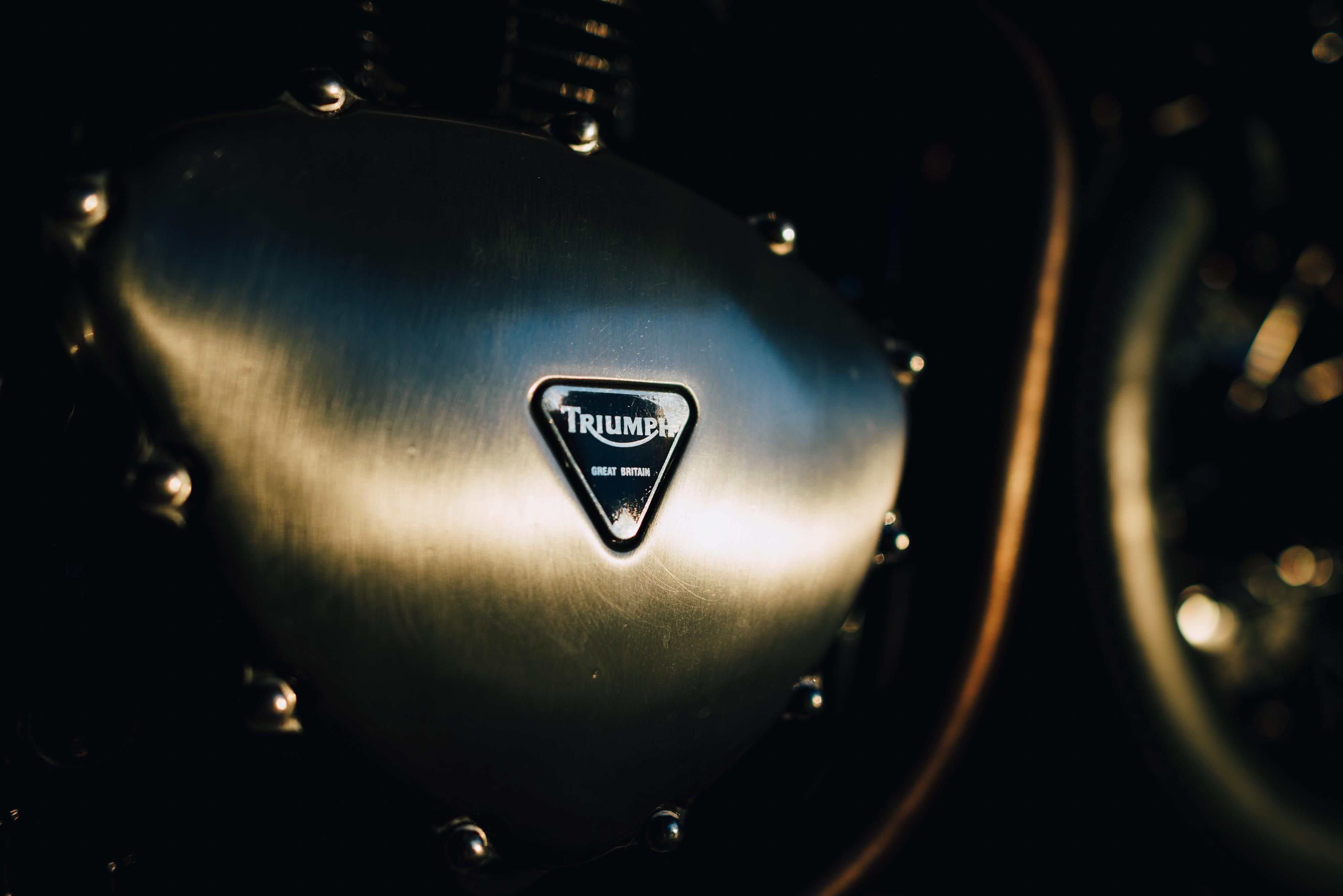 Triumph T100 Bonneville Hard Brexit By Unik Edition