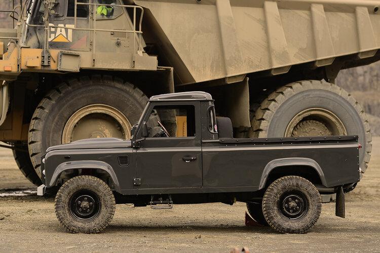 Land Rover Defender 110 Truck