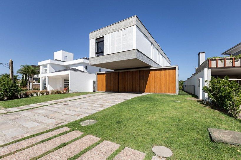 TR1215 house