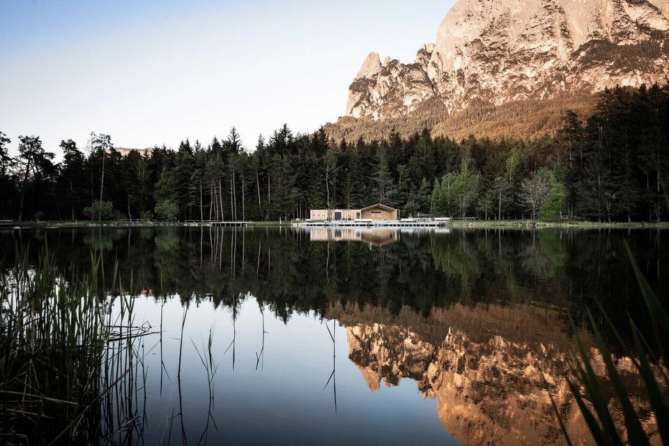 Lake House Vols