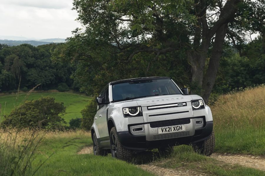O Land Rover Defender V8