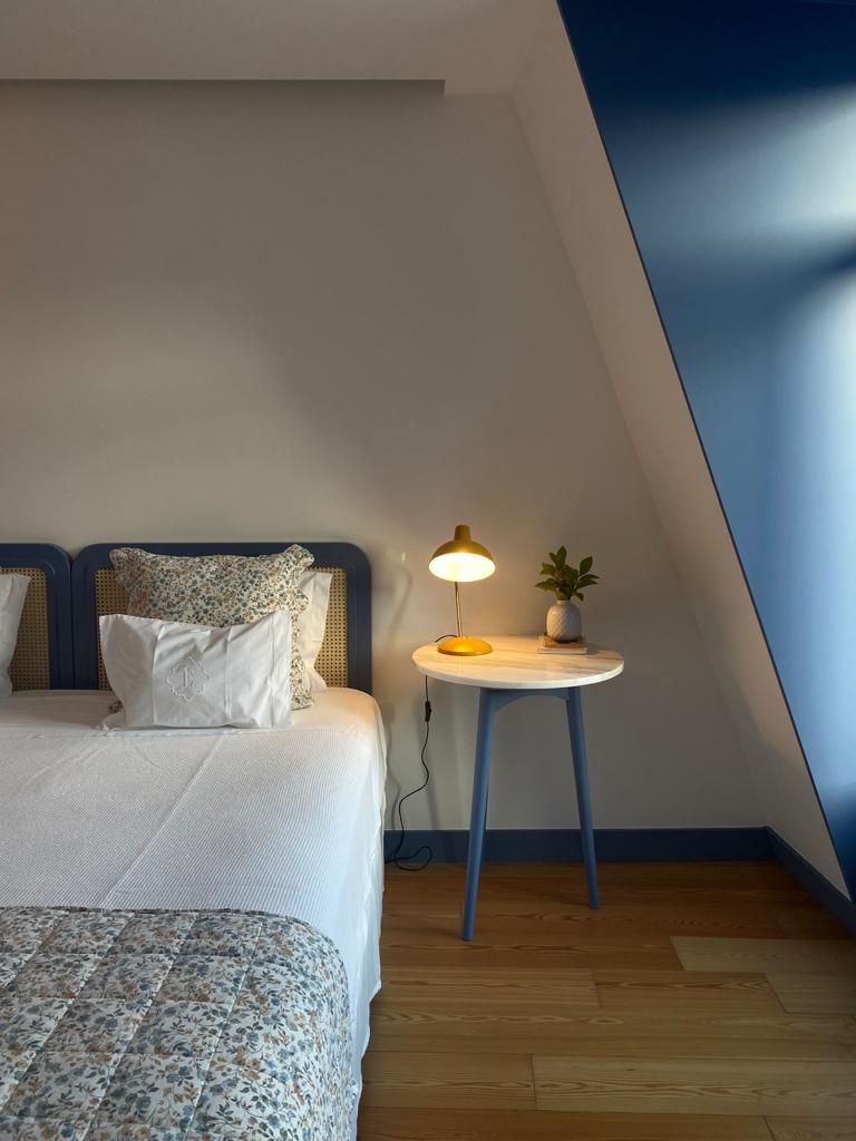 Os quartos das Casas com Estórias são modernos e muito confortáveis
