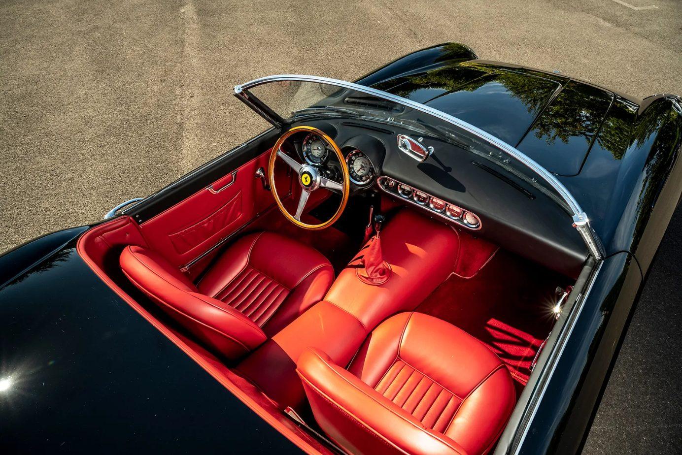 Detalhe interior do Ferrari 250 GT California Spyder